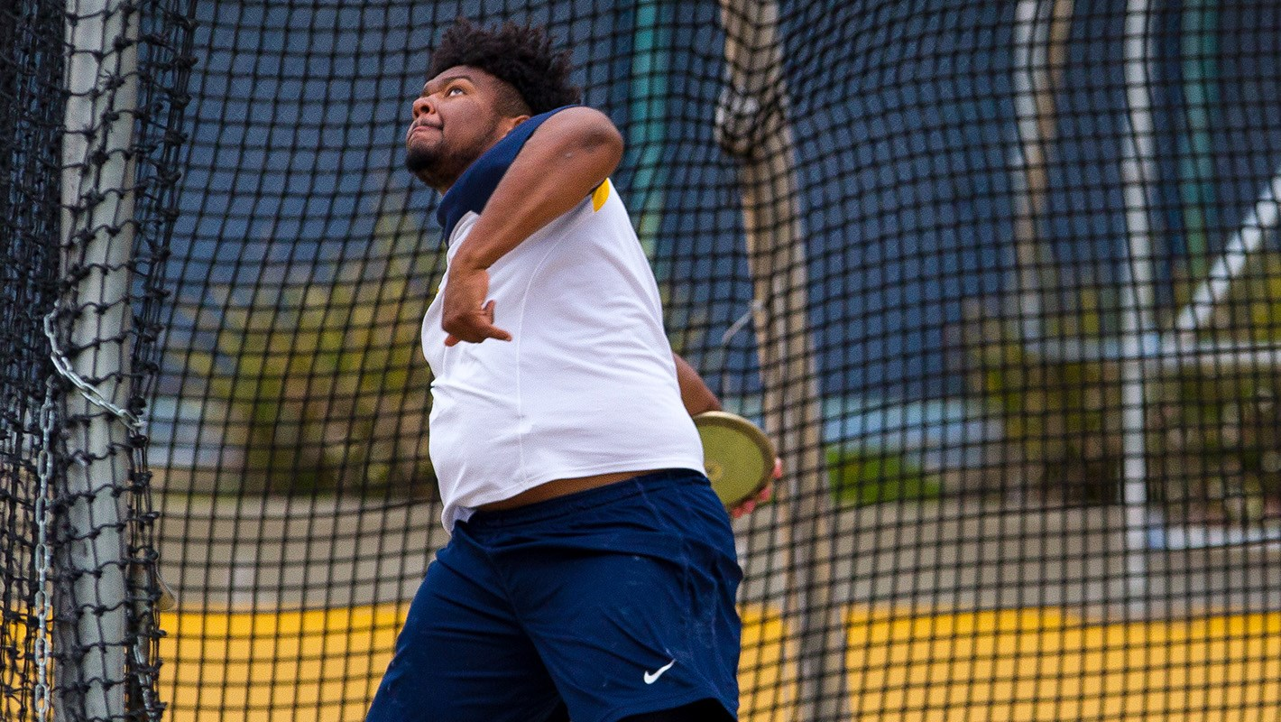 Cal Men Finish Third At Kansas Relays